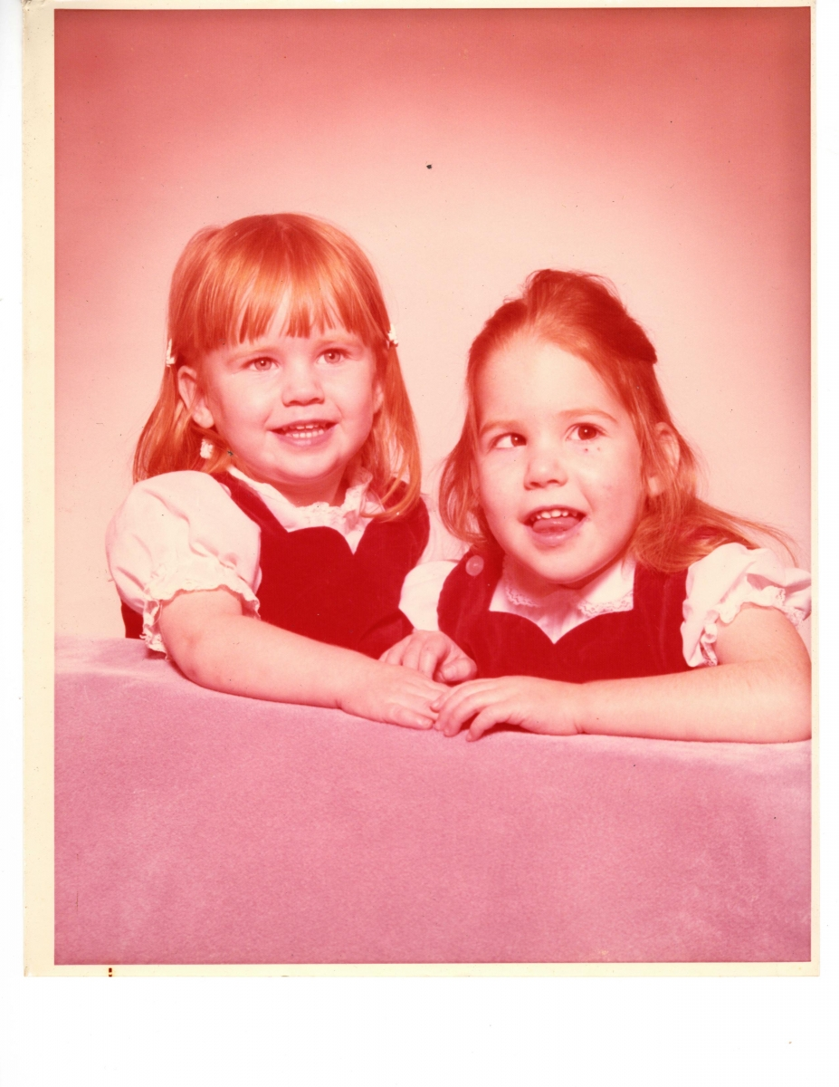 Professional photo of Amy Parker and her sister as very young girls